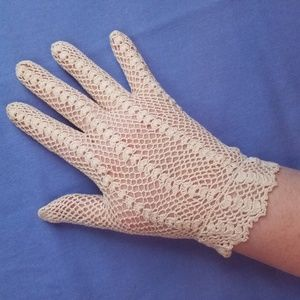50s VTG Hand Crocheted Lace Gloves, Wrist Length